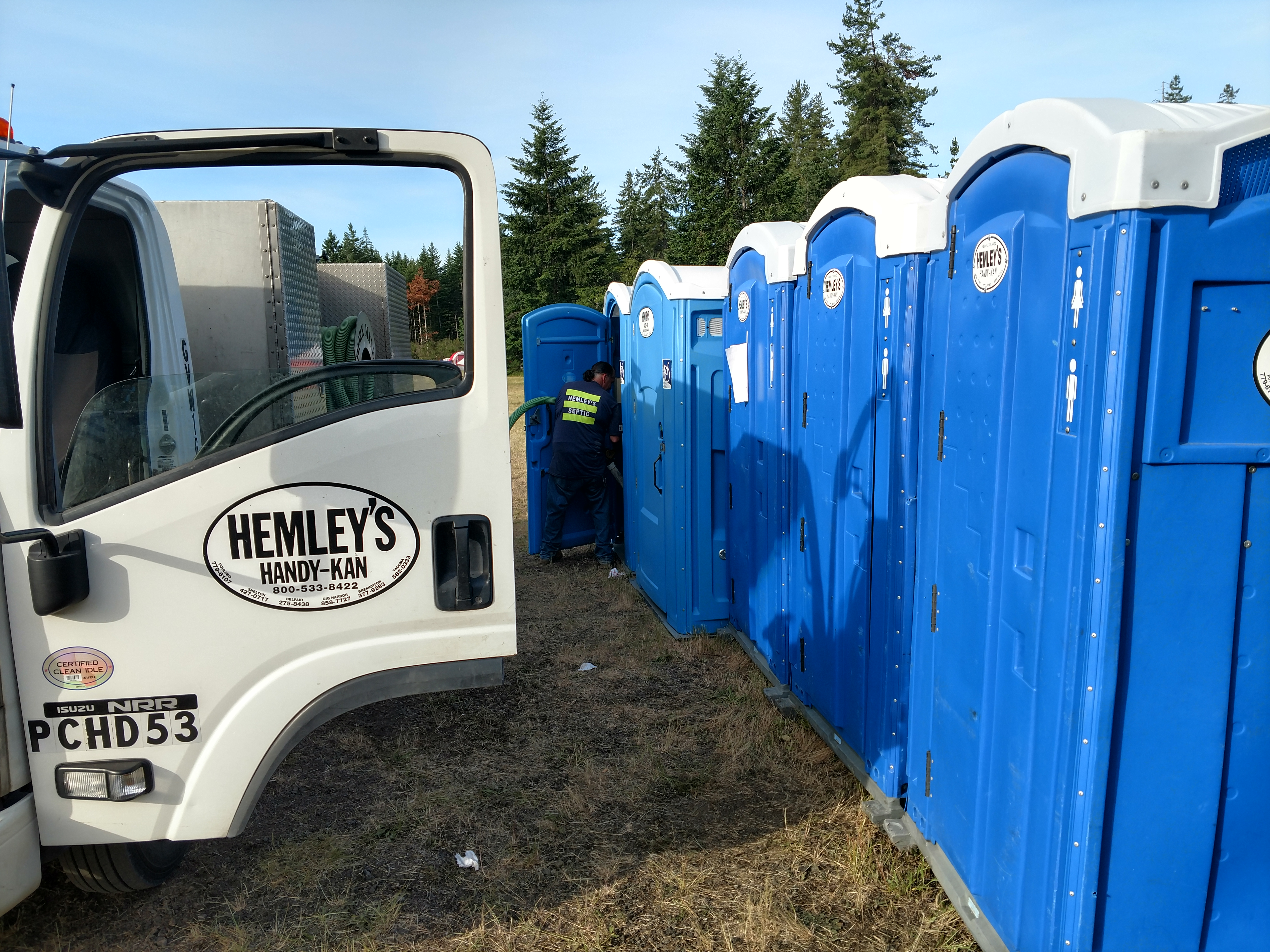 Hemleys Handy Kans - Portable Toilet Rentals For Job-sites, Events, Emergencies, in Gig Harbor, Bremerton, Port Orchard, Kitsap County WA, Pierce County WA, and King County WA